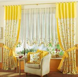 Here the colours from the curtains are carried forward using nothing more than the cushions. And yet, the final result in pleasant and inviting