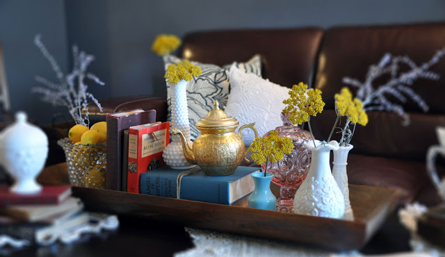 If you love to collect vintage décor items, your coffee table is the perfect place to showcase your collectibles!