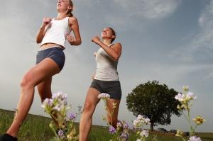 fitness-ladies-running