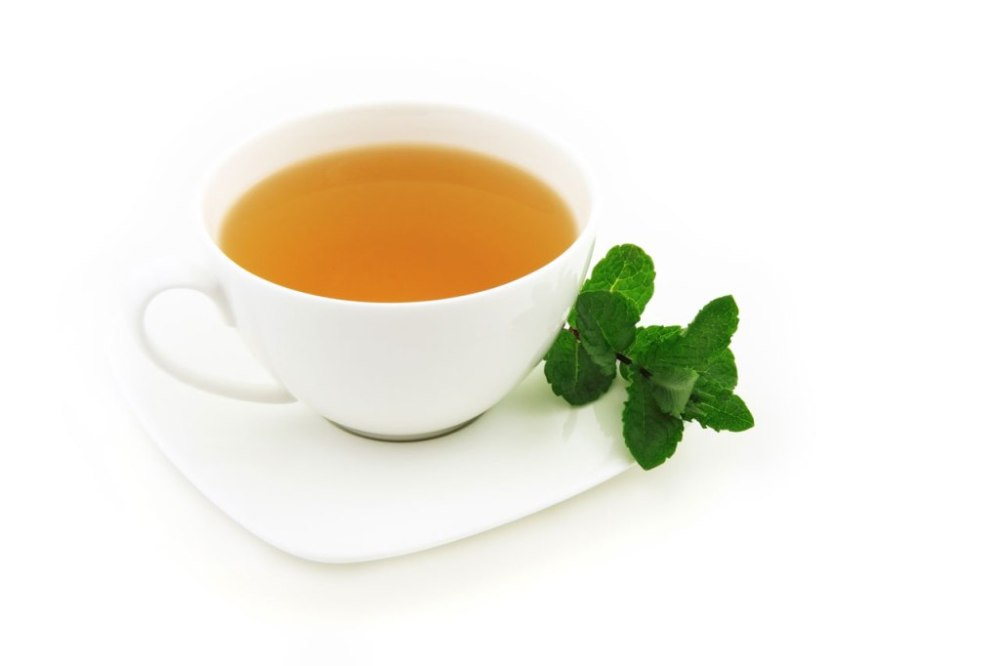 Cup-of-tea-with-mint-leaves2