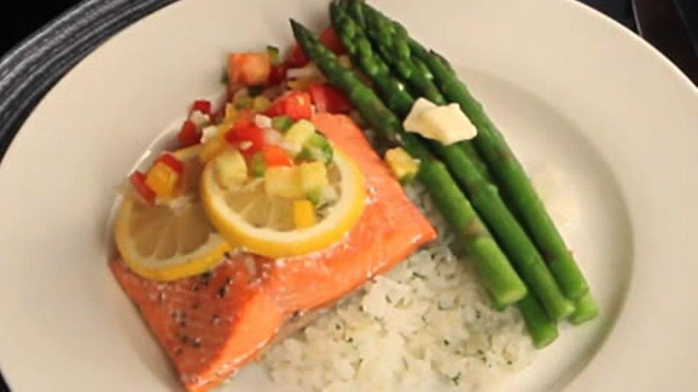 1033249144001_2096546586001_tt-salmon-asparagus