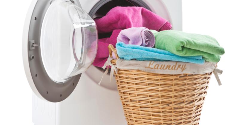 Fabric-Softener-Alternatives-Featured